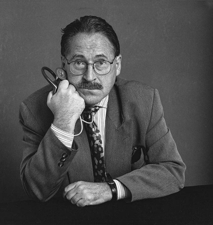 Dr. Arturo Cortina