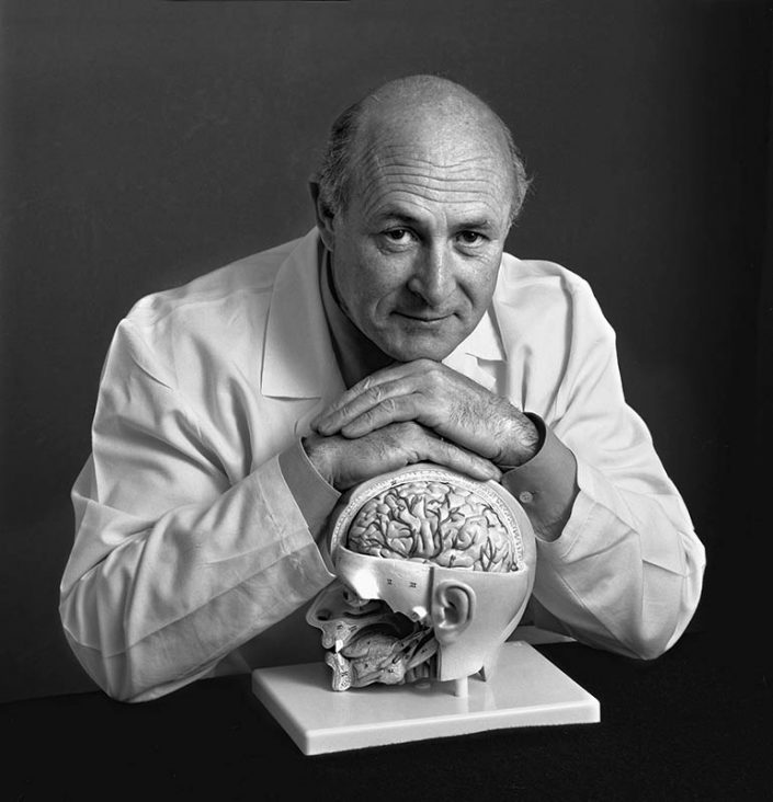 Dr. Bernardino Blázquez Menes