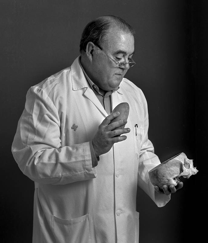 Dr. Manuel Lago