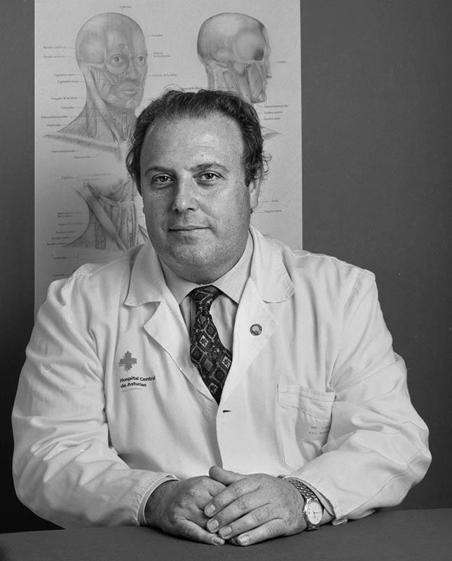 Dr. Carlos Lahoz